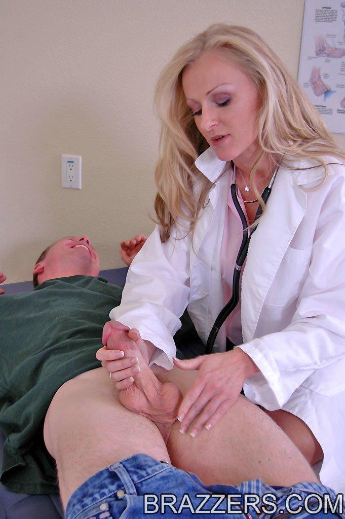 стройных лет порно мерил член у врачихи очень сексуальные